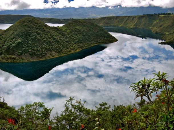 Laguna Cuicocha, Otavalo, Ecuador