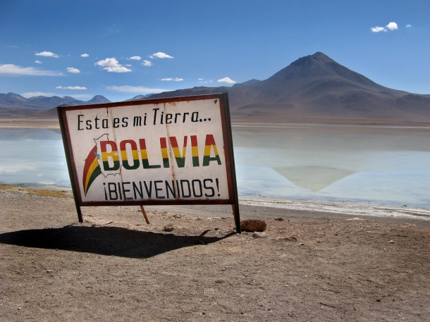 Bolivia border crossing from Chile